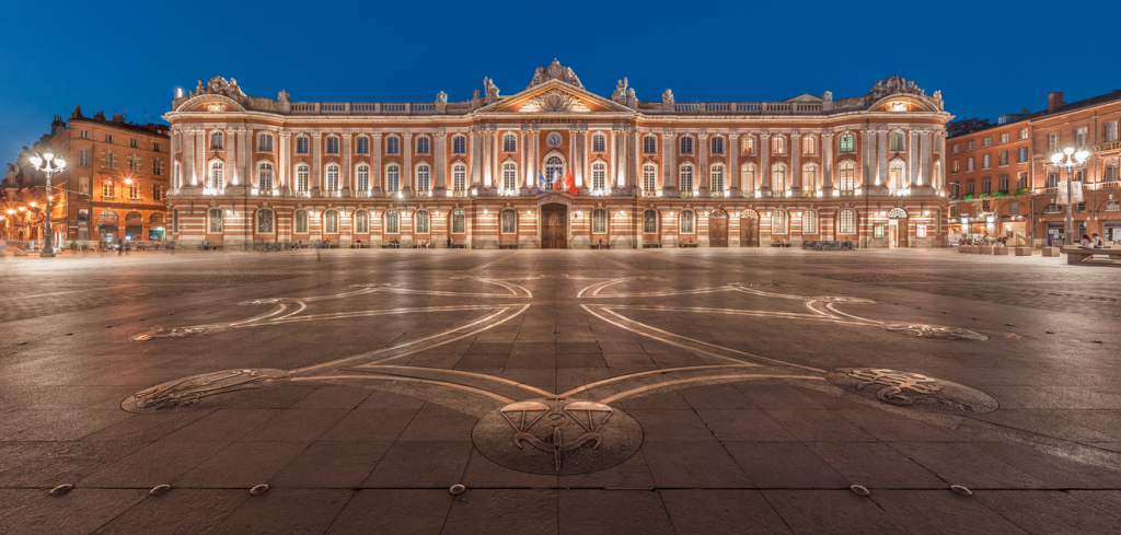 toulouse-place-capitole-salon-avenir-logistique